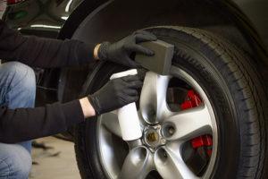1. Как самостоятельно чернить колеса?